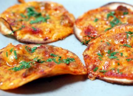healthy pizza with tortillas