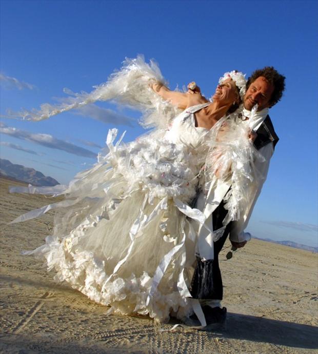hilarious_wedding_dresses_15