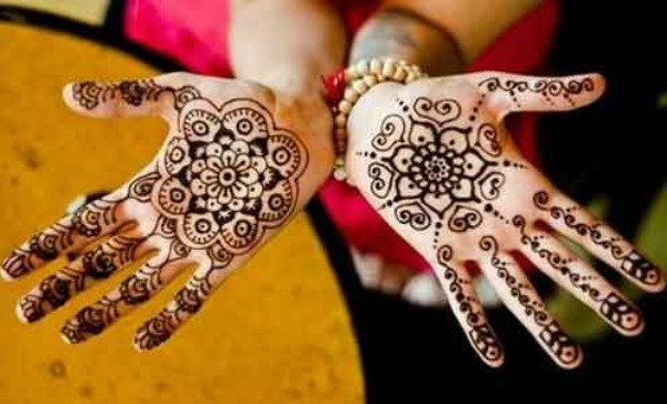 Mehndi Designs For Palm : Latest mehndi designs for hands and feet easyday