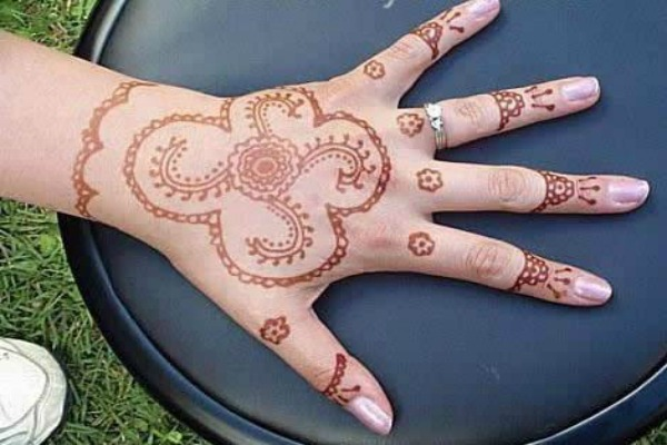 mehndi-designs-simple