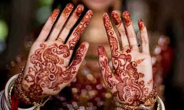 Mehndi In Hands : 60 latest mehndi designs for hands and feet easyday