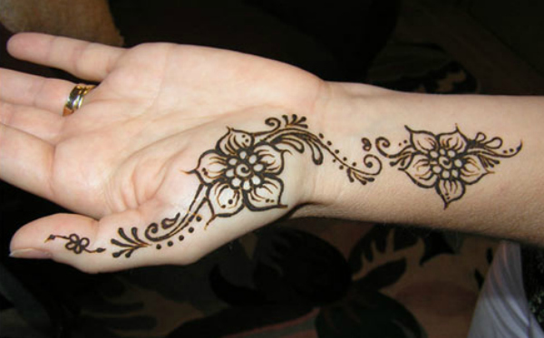 simple-mehndi-designs-for-beginners 1