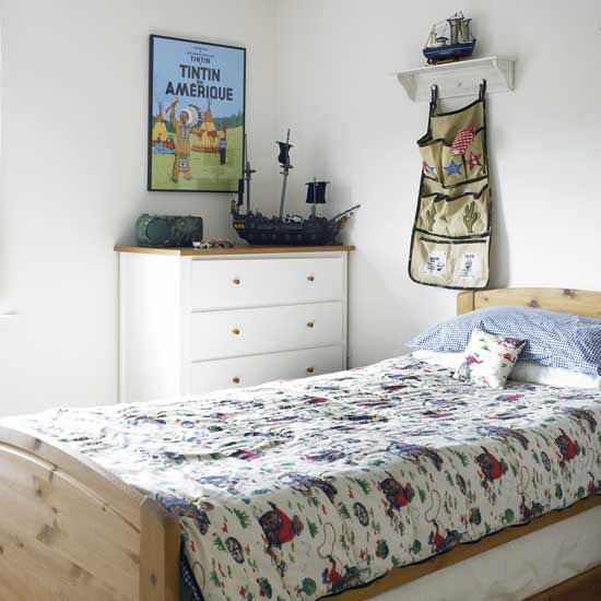 small kid's bedroom