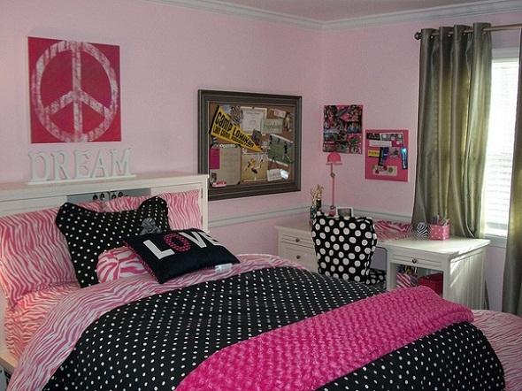 pink and black teen bedroom idea