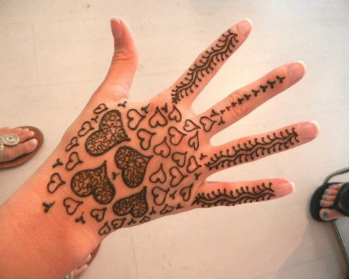 Mehndi Designs Heart : Henna designs and tattoo easyday