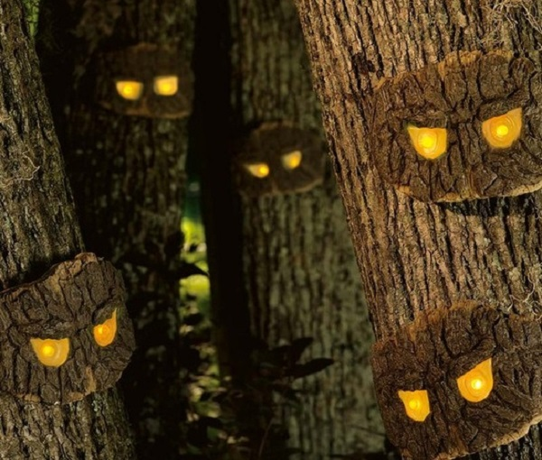 scary eyes tree image source - Spooky Halloween Decor