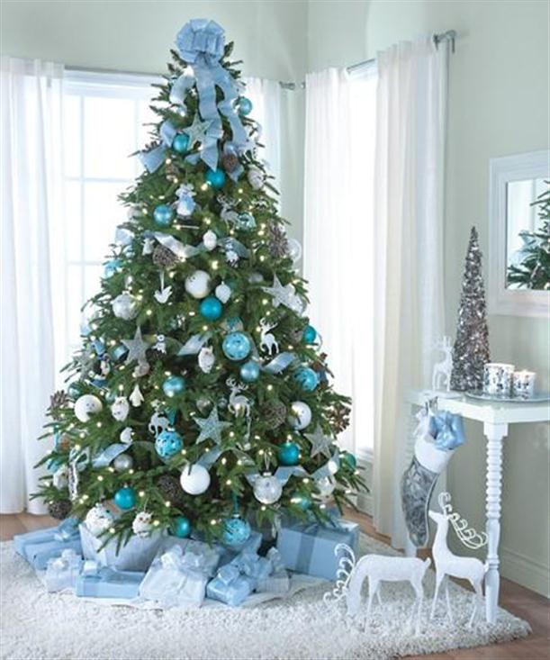 Green christmas decorating ideas easyday - Modern christmas tree ideas ...