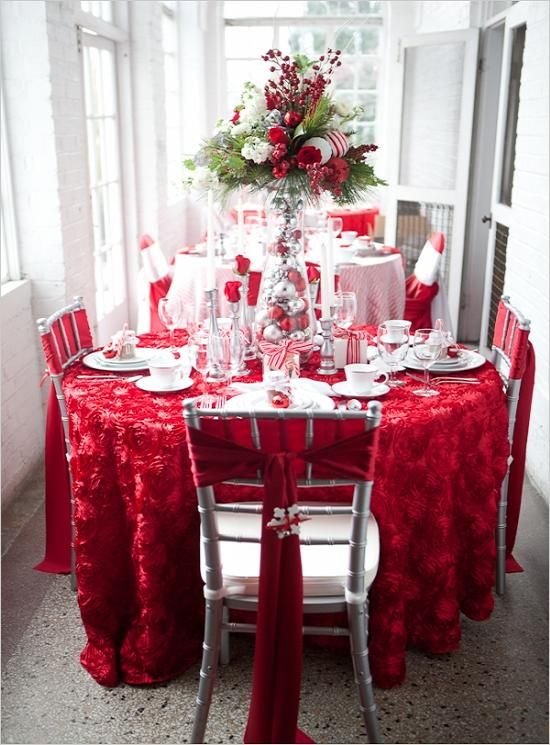 decorate-holiday-table