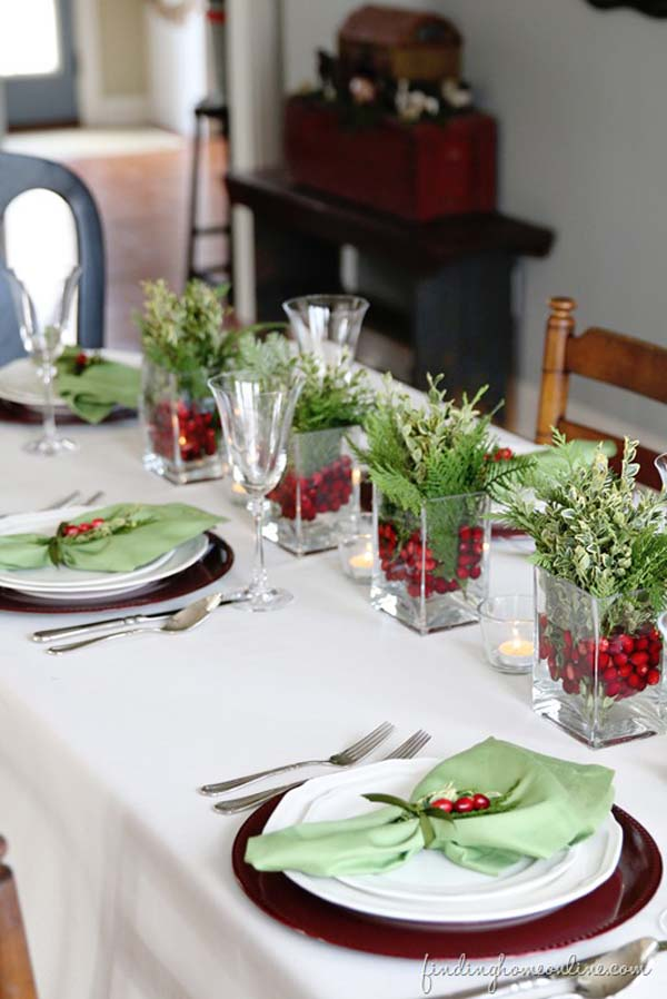 Ideas for christmas table decorations easyday - Decoration de table idees ...
