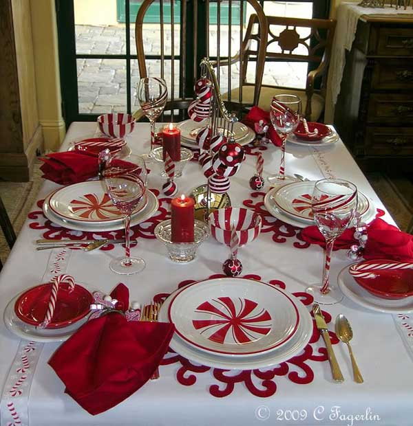 red-christmas-table-decoration