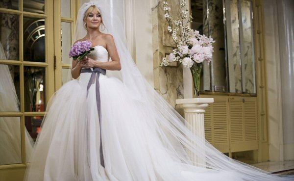 Vera-Wang-Dress-From-Bride-Wars