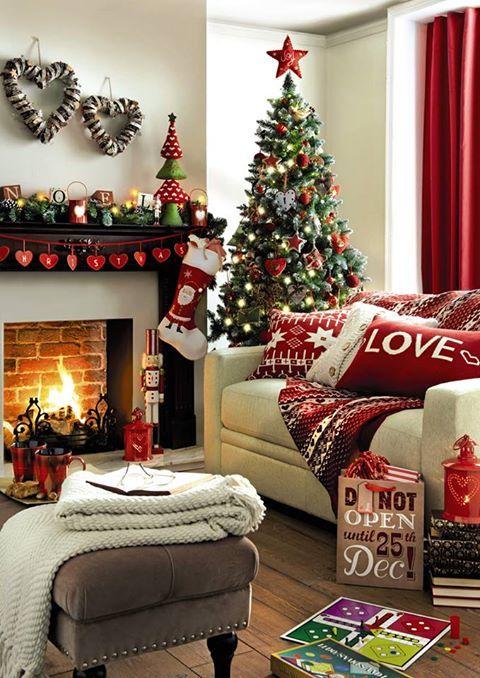 A-Decorated-Christmsa-Living-room