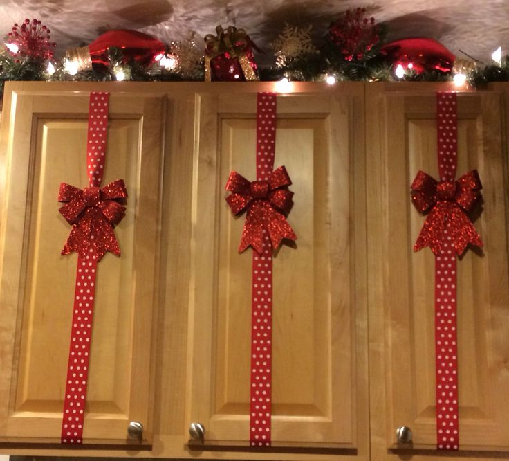 Simple Christmas Decorations For Cupboard
