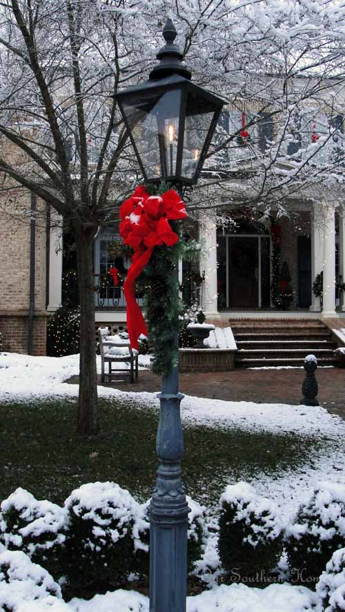 White-christmas-out-door-decorations