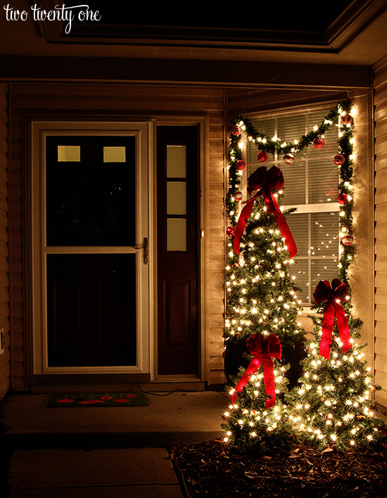 christmas-front-porch-at-night