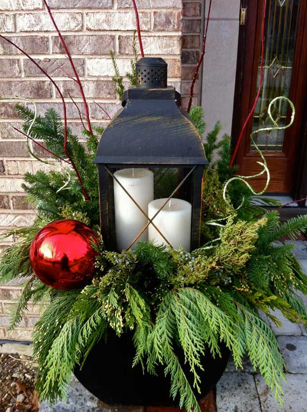 outdoor-christmas-lantern-lights