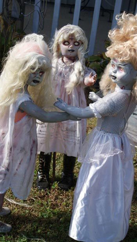 Most pinteresting halloween decorations to pin on your for Pinterest halloween outdoor decorations