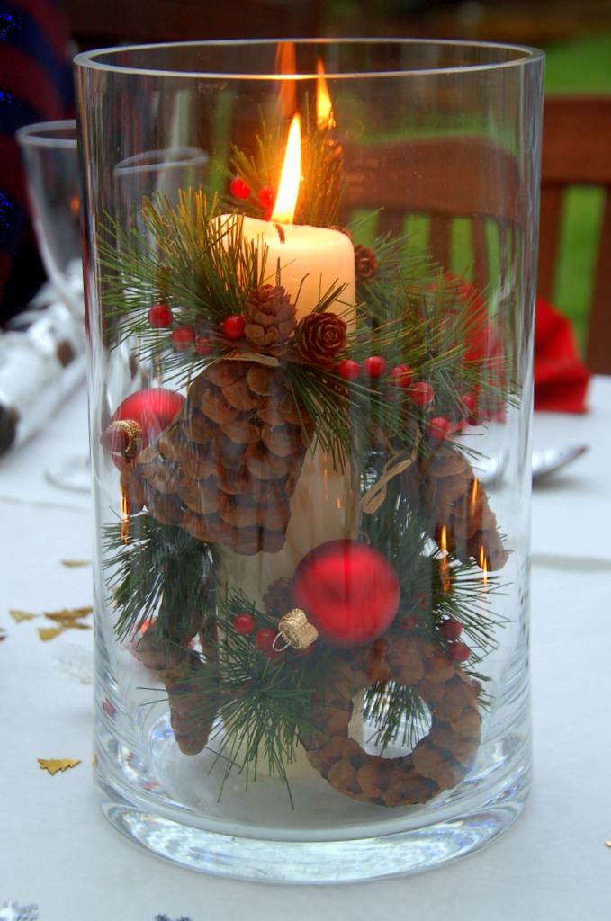 simple-christmas-centerpiece-idea-for-home