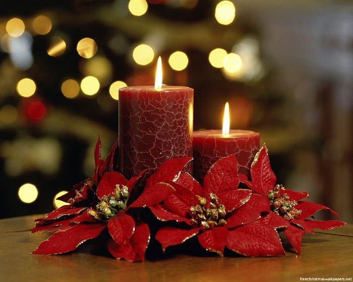 Red-Candles-at-Christmas
