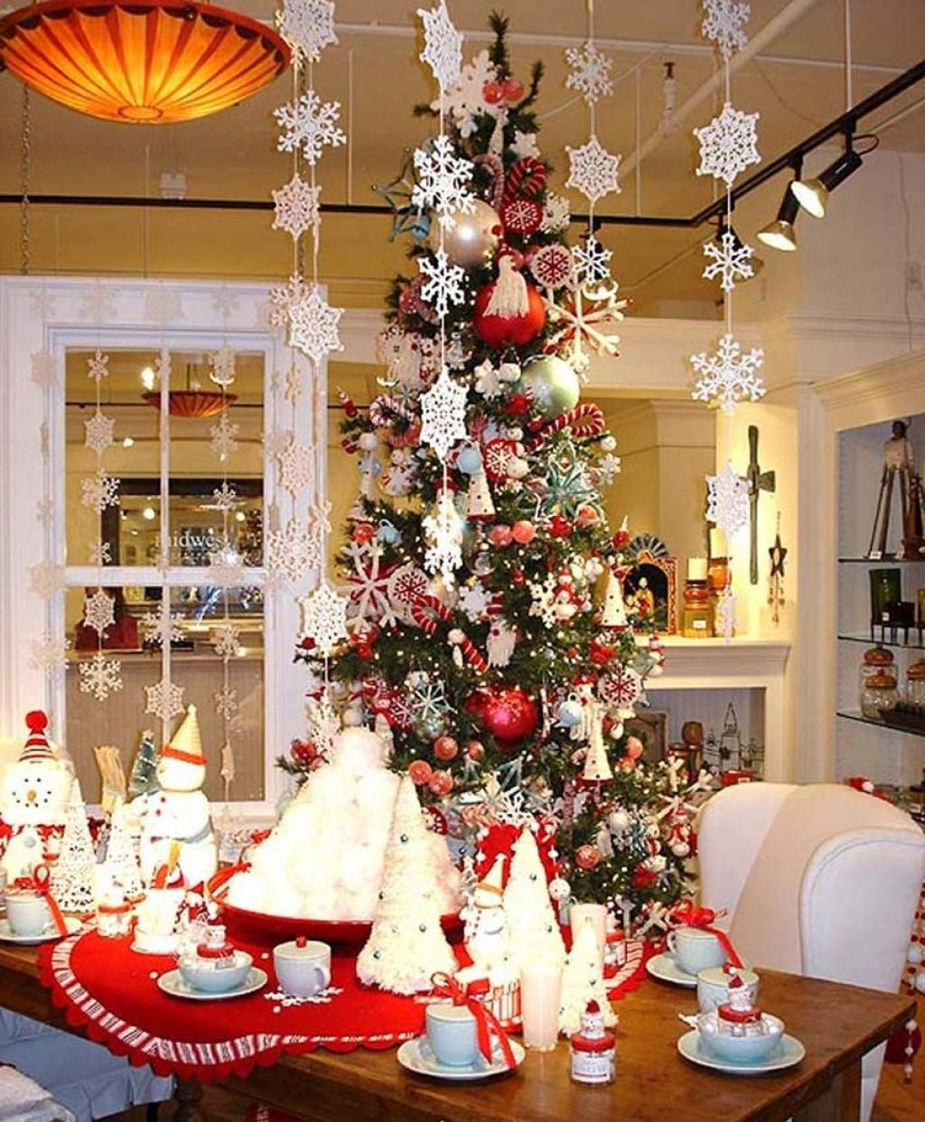 #B92012 40 Christmas Table Decors Ideas To Inspire Your Pinterest  5503 Decorations De Noel Rose 1024x1242 px @ aertt.com