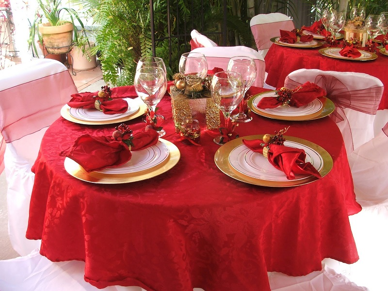 red-christmas-table-decoration-ideas