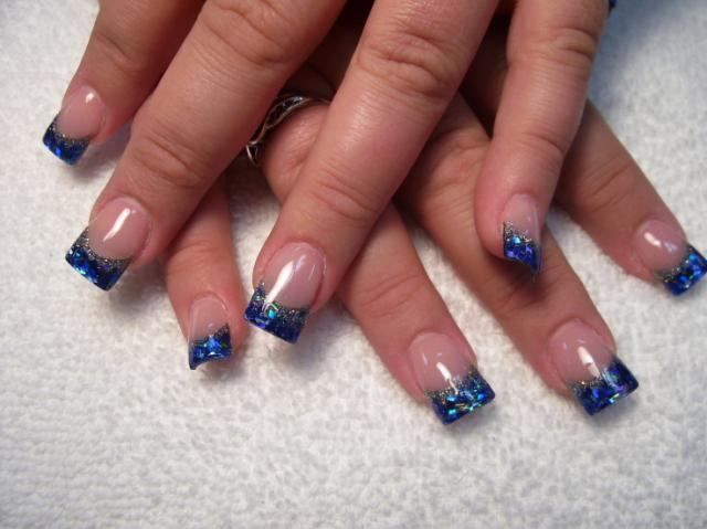 Blue-Aquamarine-Glitter-Nail-Art-16