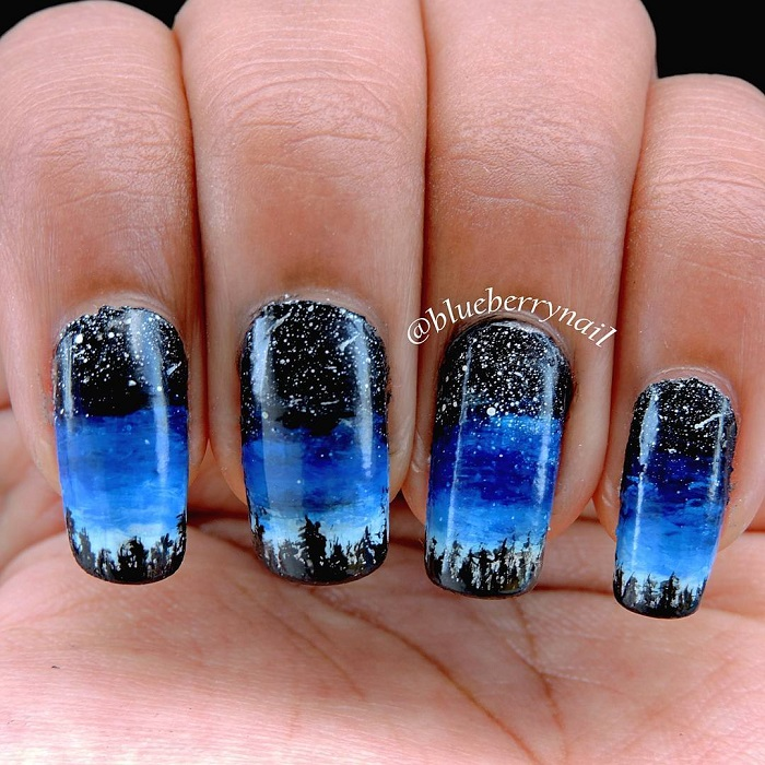 Trendy Blue And Black Nails