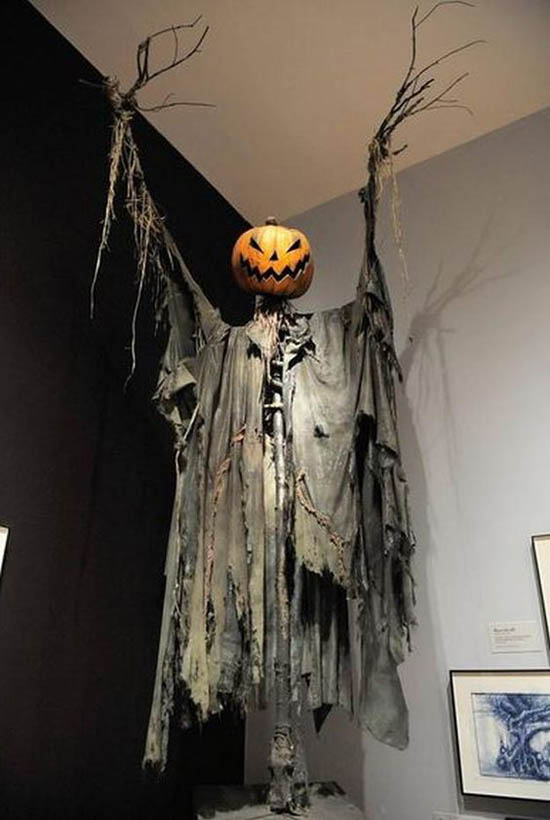 spooky-halloween-decorations-29