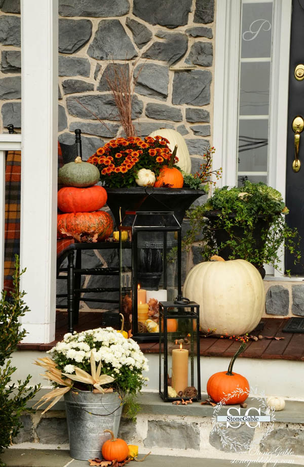 30 Eye-Catching Outdoor Thanksgiving Decorations Ideas ... on Patio Lights Decorating Ideas id=39741