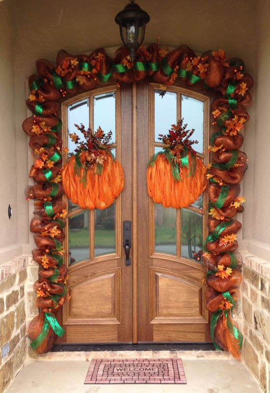 30 eye catching outdoor thanksgiving decorations ideas easyday - Front door thanksgiving decorating ideas ...