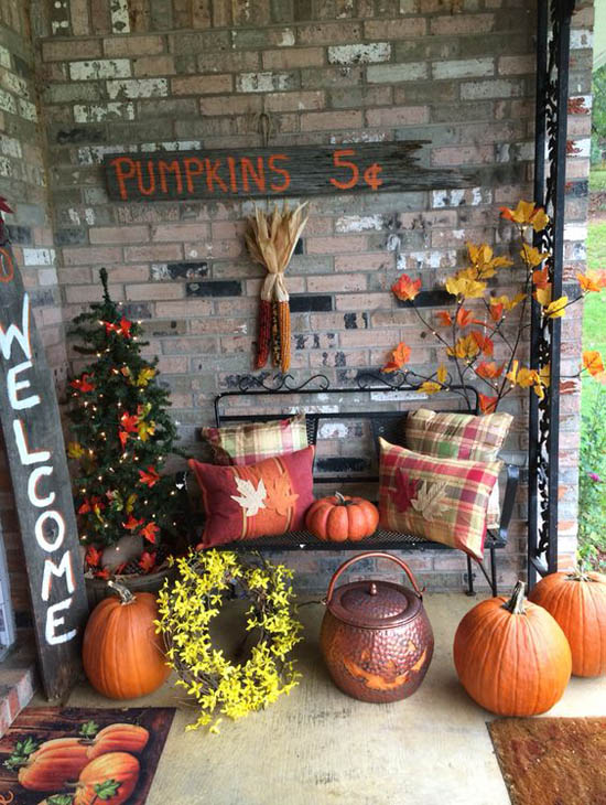 30 eye catching outdoor thanksgiving decorations ideas for Pictures of fall decorations for outdoors
