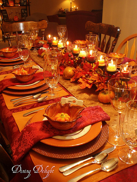 31 stylish thanksgiving table decor ideas easyday for Elegant table setting for thanksgiving