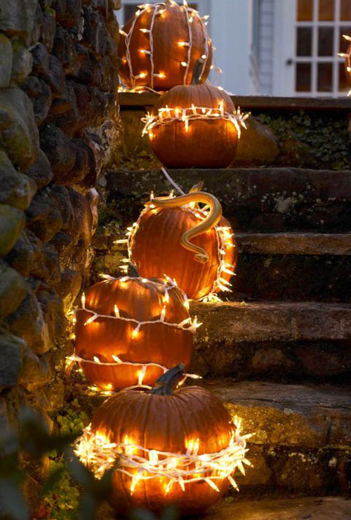 decorating-with-pumpkins-10