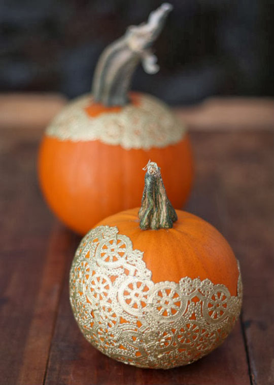 decorating-with-pumpkins-17