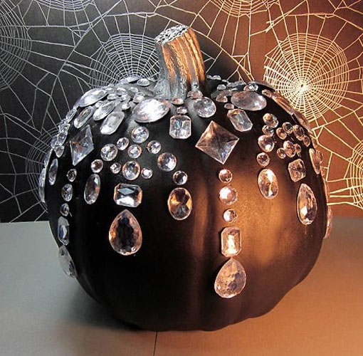 decorating-with-pumpkins-21