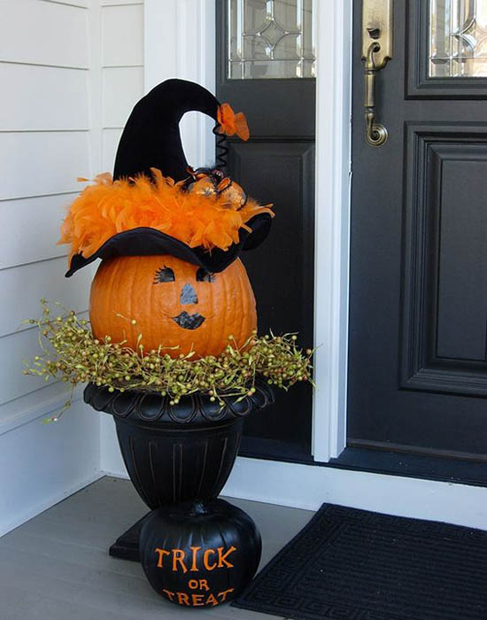 decorating-with-pumpkins-4