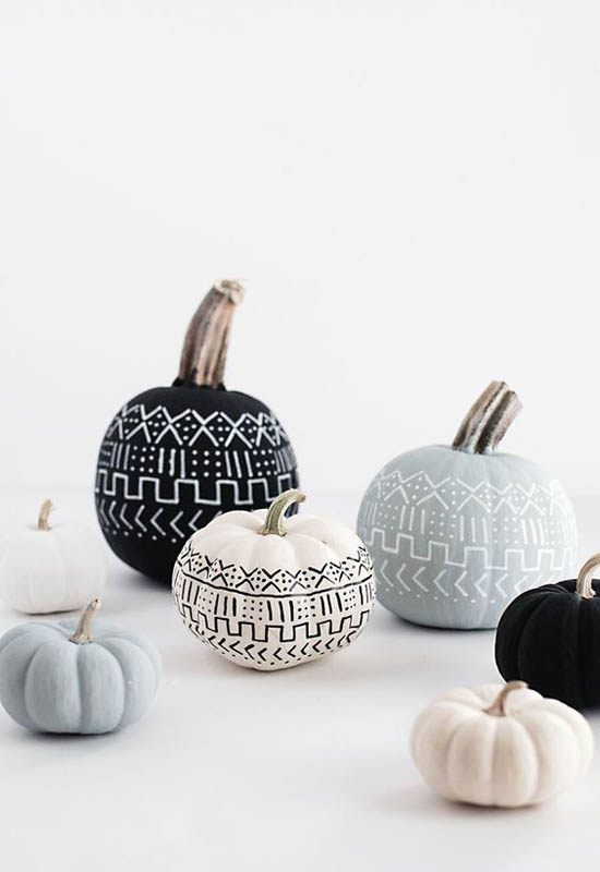 decorating-with-pumpkins-8