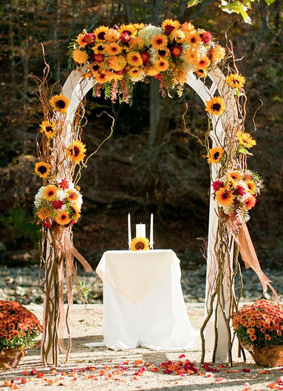 34 chic fall wedding decoration ideas easyday for Autumn wedding decoration