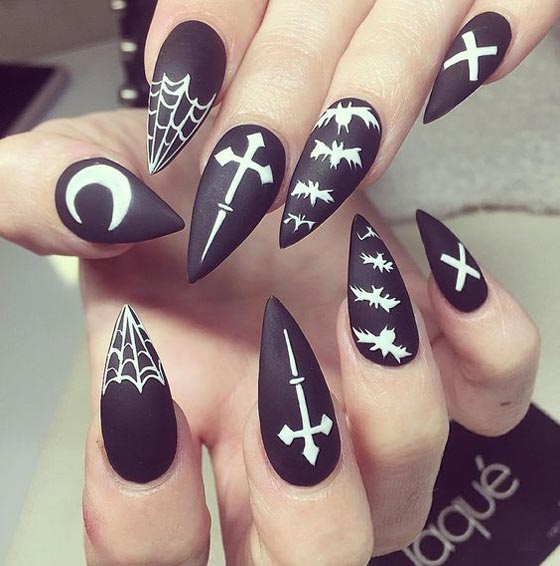 Halloween Nail Art: 36 Spooktacular Halloween Nail Art Designs