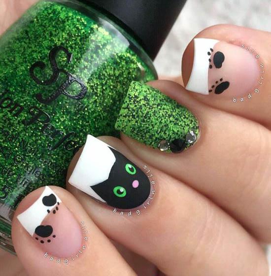 halloween-nail-art-design-27