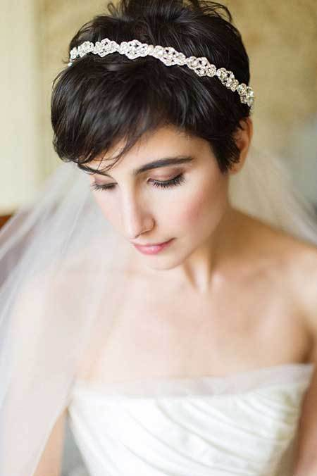 wedding hairstyle for short hair 27