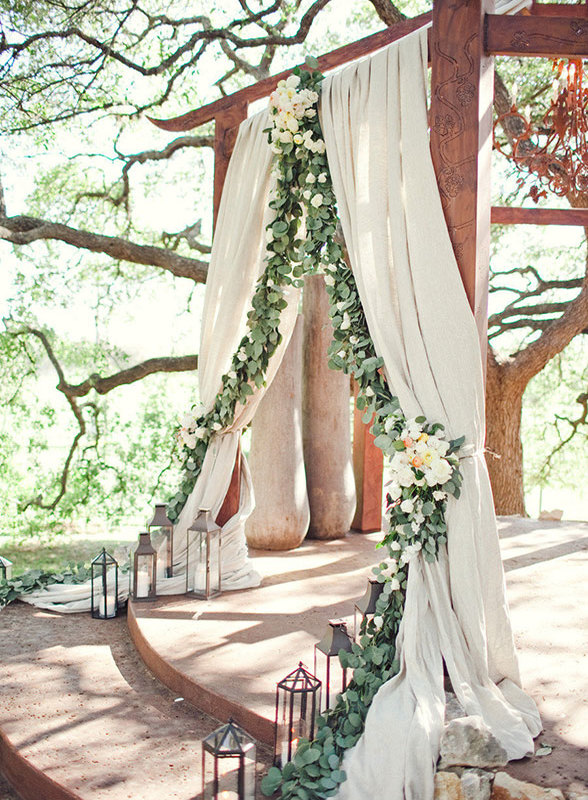 wedding-backdrop-ideas-23