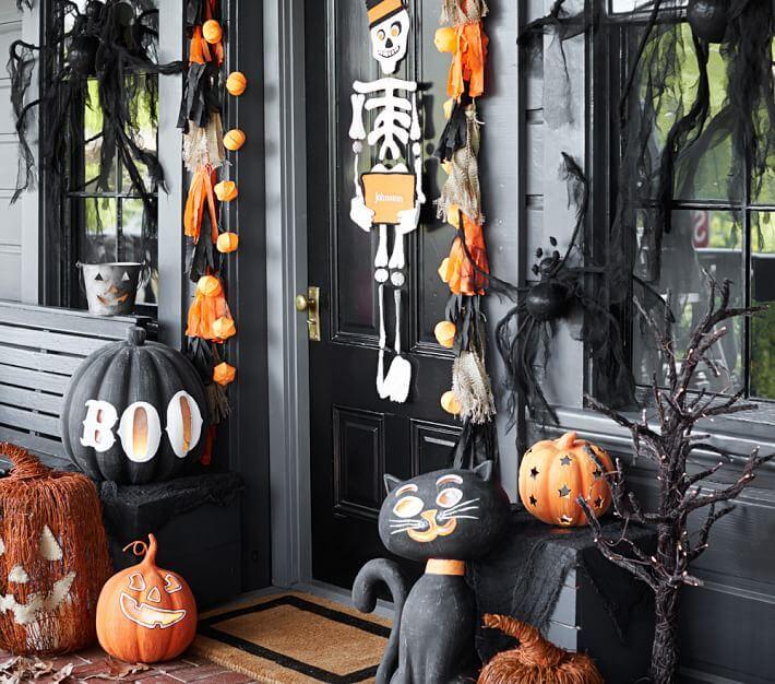 Halloween Porch Decoration Ideas 12