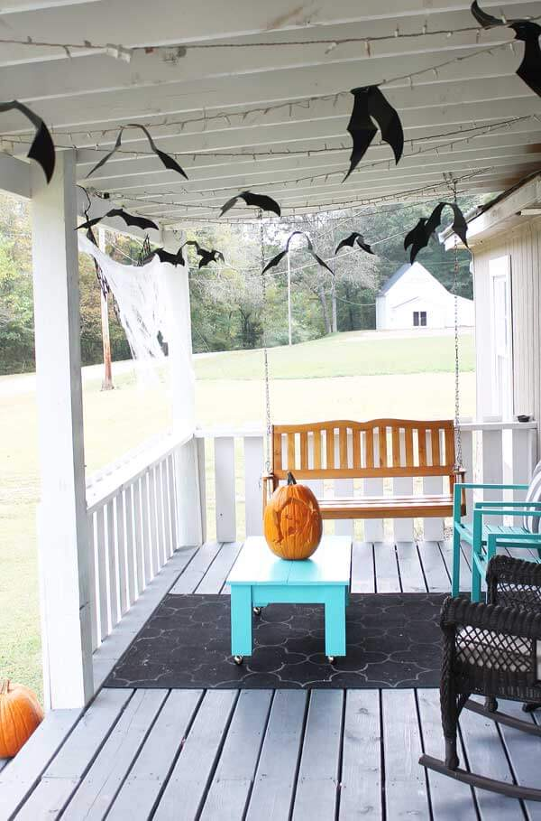 Halloween Porch Decoration Ideas 13