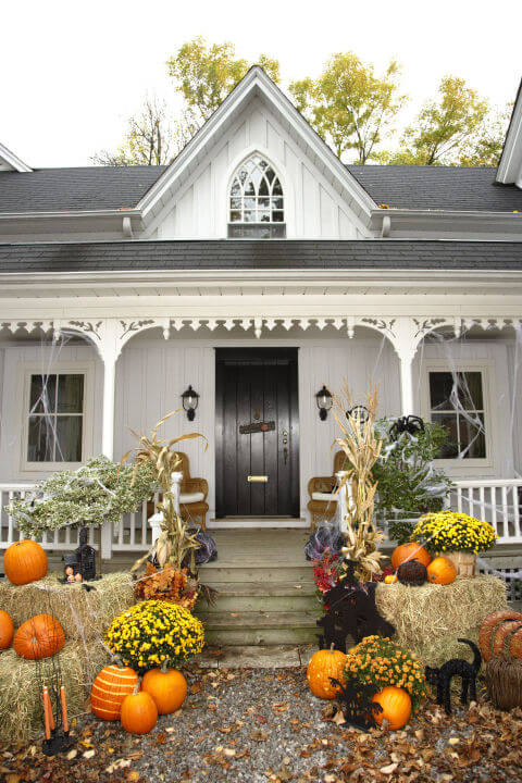 Halloween Porch Decoration Ideas 14
