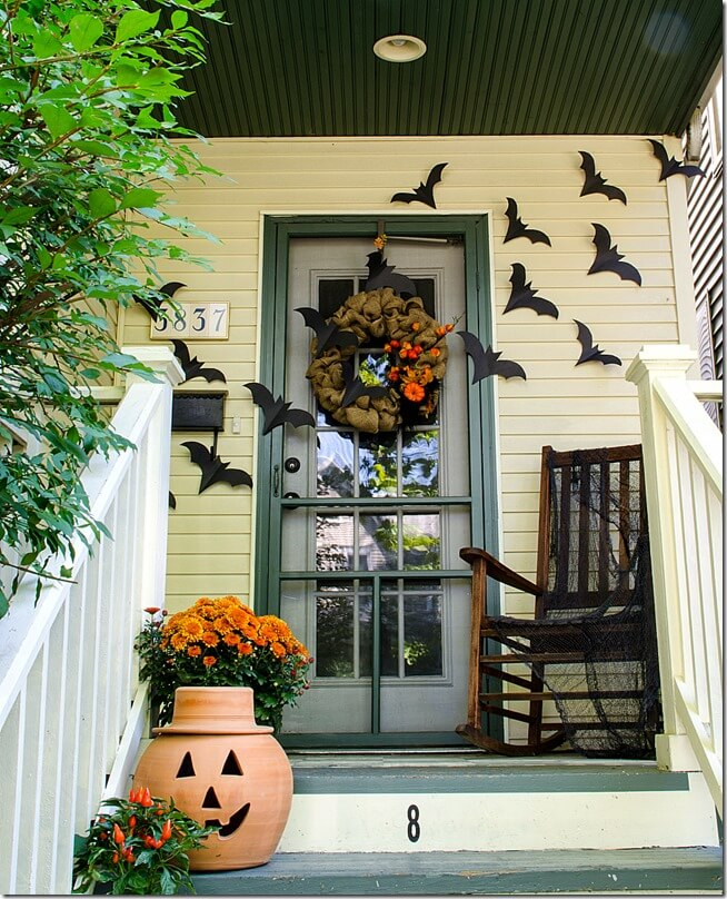 Halloween Porch Decoration Ideas 15