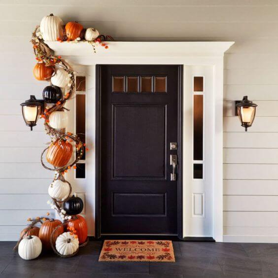 Halloween Porch Decoration Ideas 18
