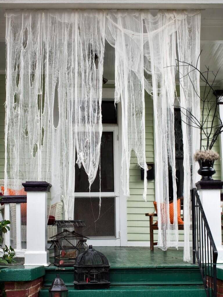 Halloween Porch Decoration Ideas 28