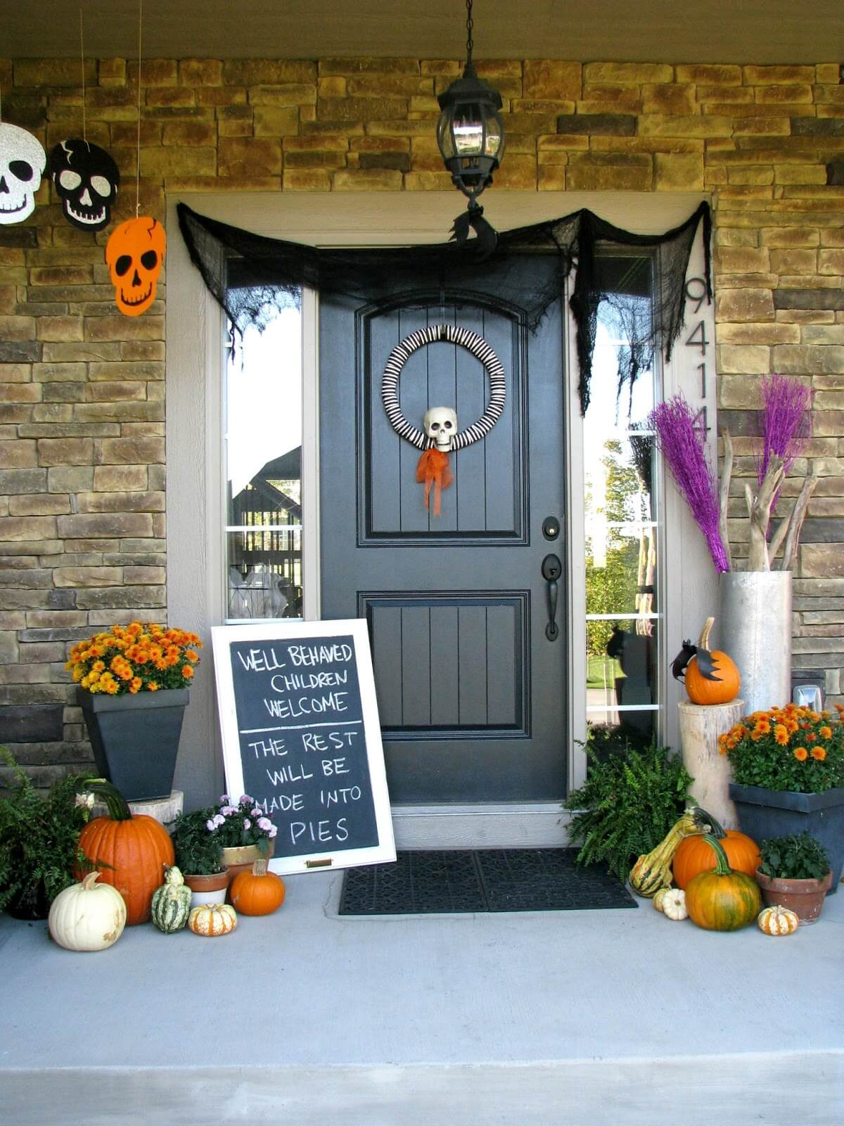 Halloween Porch Decoration Ideas 5