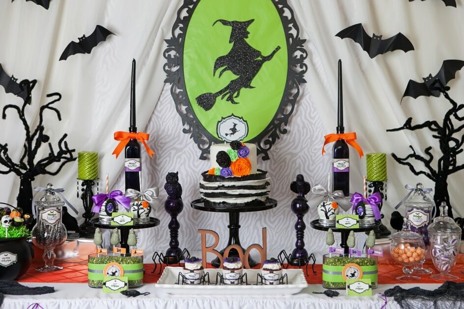 spooky halloween table decoration ideas easyday. Black Bedroom Furniture Sets. Home Design Ideas